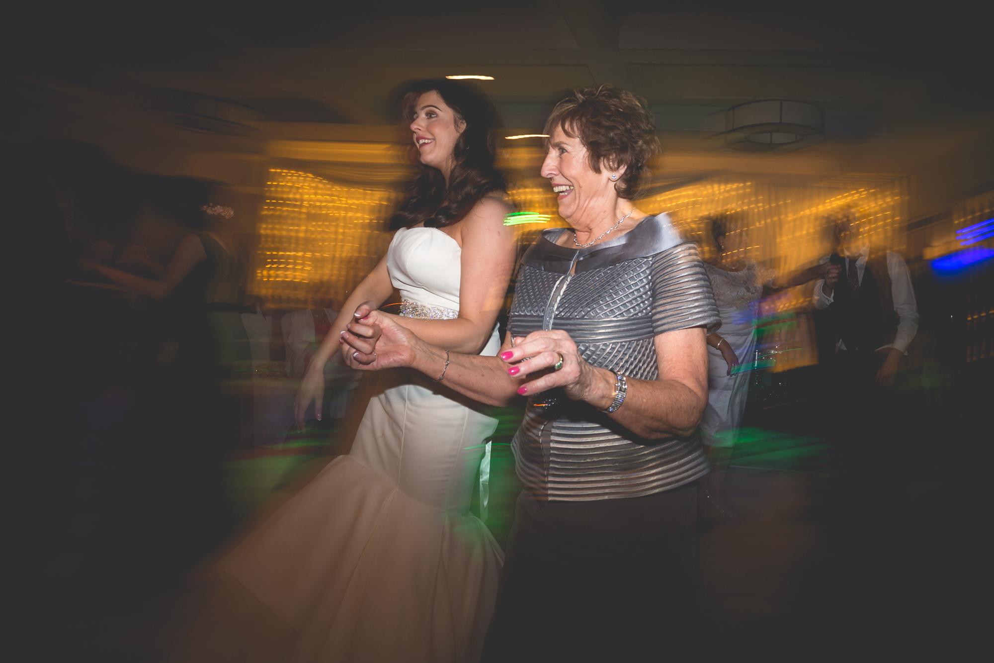 Francis&Oonagh-Dancing-25.jpg