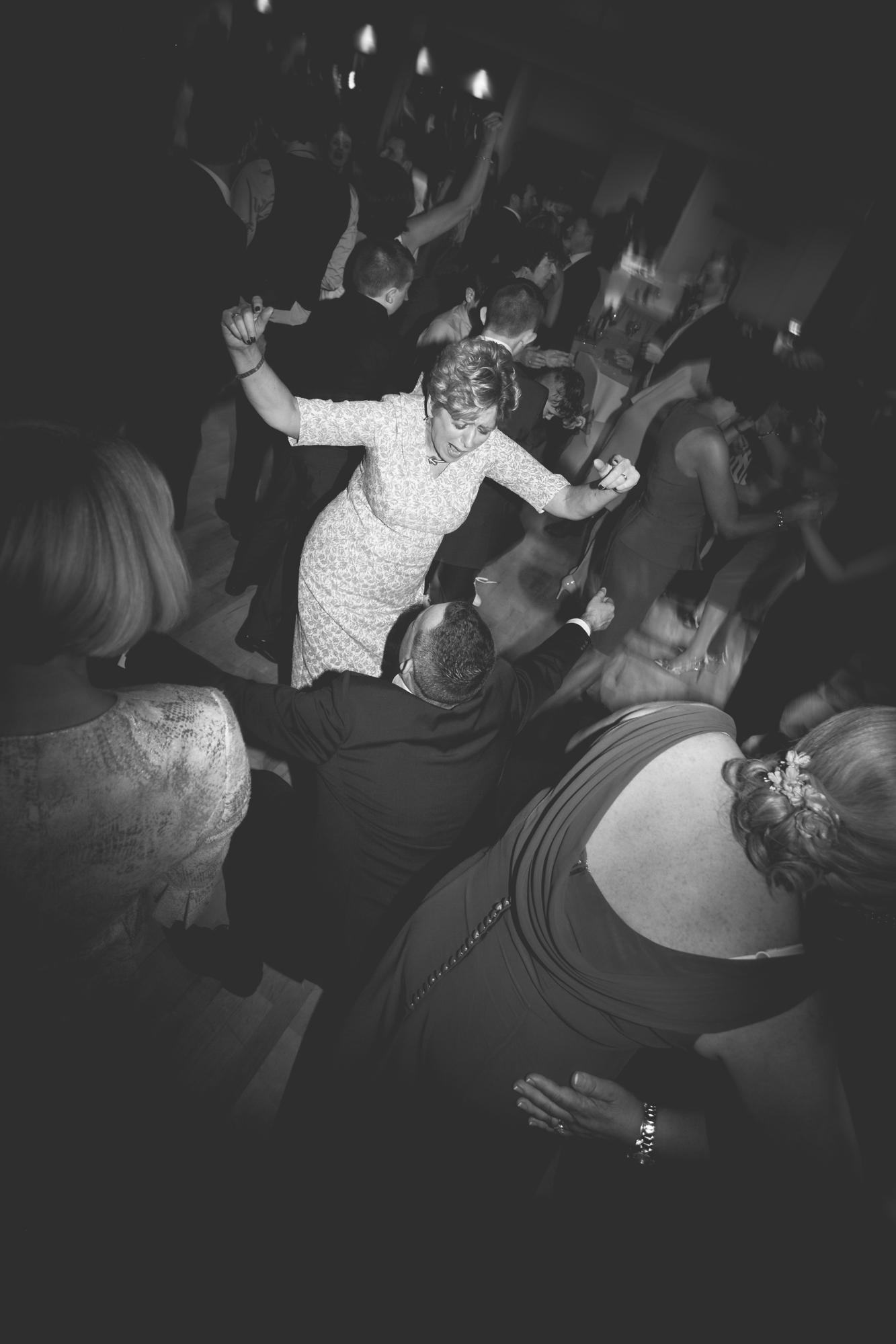 Francis&Oonagh-Dancing-32.jpg