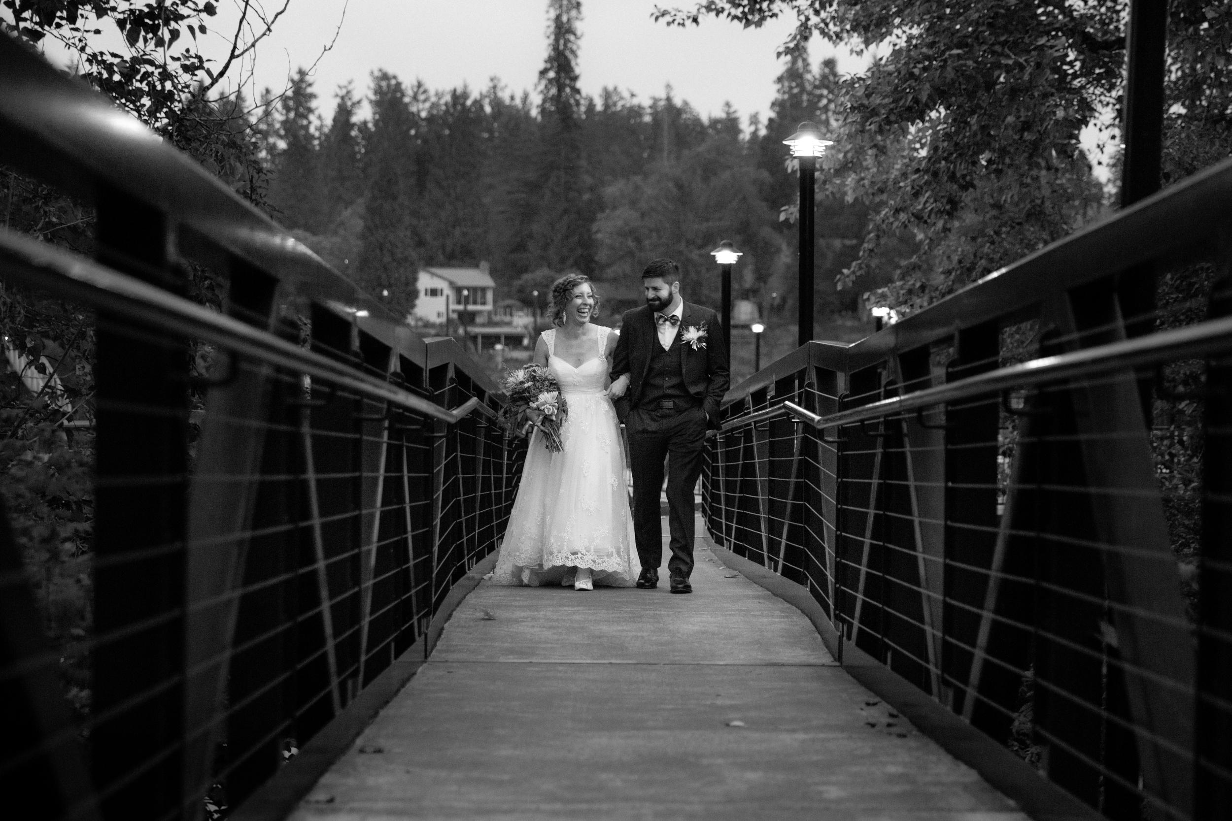 A Wedding Moment: New Bride & Groom  ||  Portland, Oregon