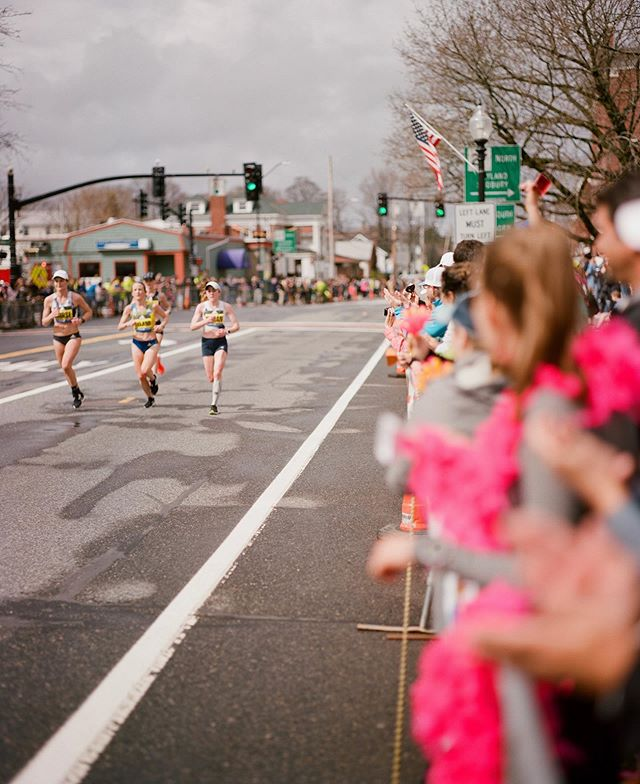 On days like this? When pushing 7:30 pace feels challenging AF, I can look back on this year's #bostonmarathon and remember why I train. For moment like this. Sheer grit, love of the sport, and pure determination. I can do. And I'll do it again. Faster next time. 💪🏼🏃🏻‍♀️🔥❤️ (Thanks for this awesome photo, @brandintumeinski - shot in Kodak film nonetheless! 👌🏼) #motherrunner #bostonrunner #love2run  #runnergirl  #runspiration #marathontraining  #summerrunning #bostonmarathon2019  #bostonruns