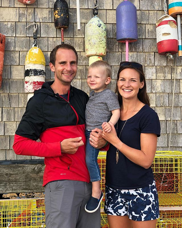 When in Maine 🦞  @lukesportland #lobsterrolls  #lukes #vacationland #familyphoto #oldport #portlandmaine #mainelife