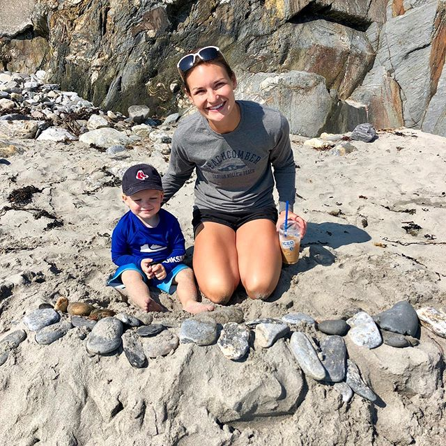 BEEEEACH! 🏖 We love the beach. Each morning in Maine, we go down to my parents neighborhood beach and build forts, or rock formations. This one he built with Ian and couldn't wait to show me! Loved seeing how proud he was with his creation! 😍  #maine #mainelife #beachtime #beach #mainebeach #beachlife #onemorninginmaine #portland #thewaylifeshouldbe #portlandME