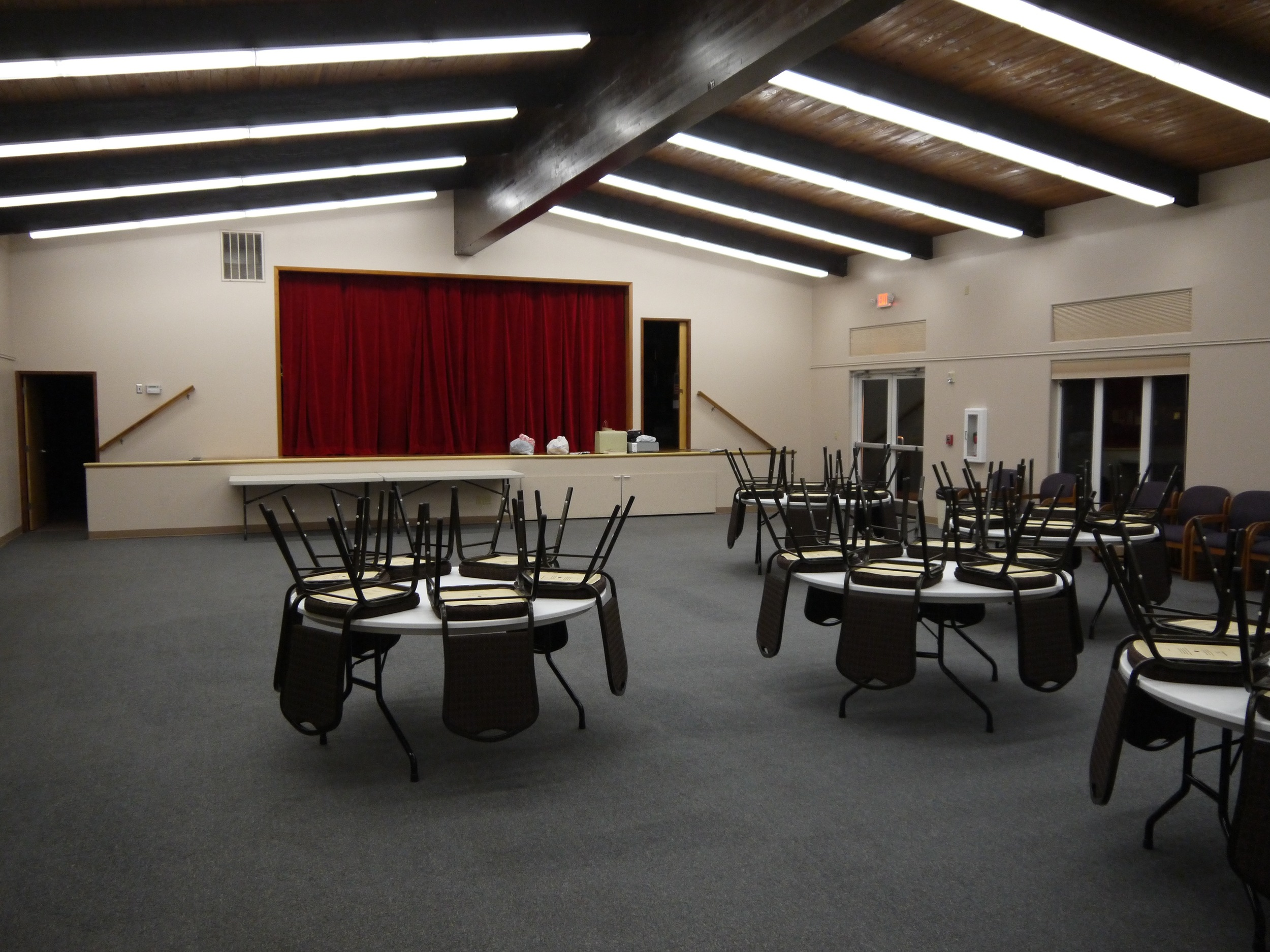 Fellowship Hall can serve as a Forum Meeting Room, Multi-purpose Room, or Auditorium (20'x 20'Stage)