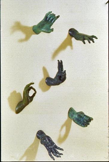 Assigned language ,1995: bronze, dimensions variable (each hand approximately twice 'life size').