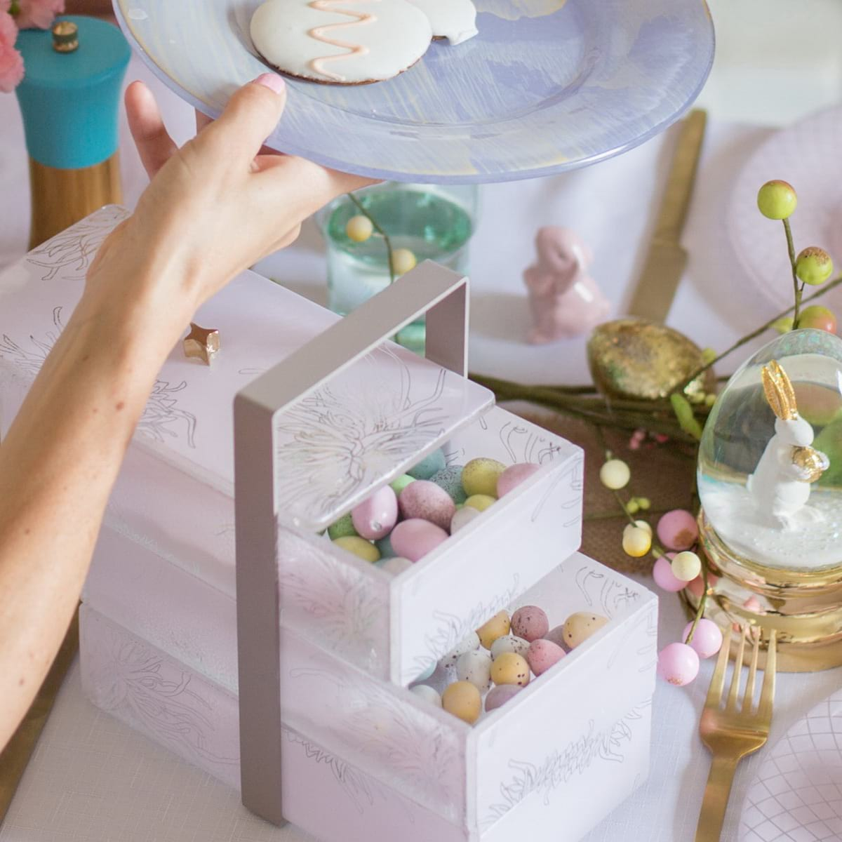 sostra-violet-plates-Easter19-Easter-30-sp2.jpg