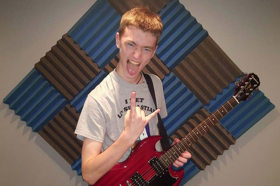 HEAVY-Carmel+High+School+Mundelein+Guitar+Lessons.jpg