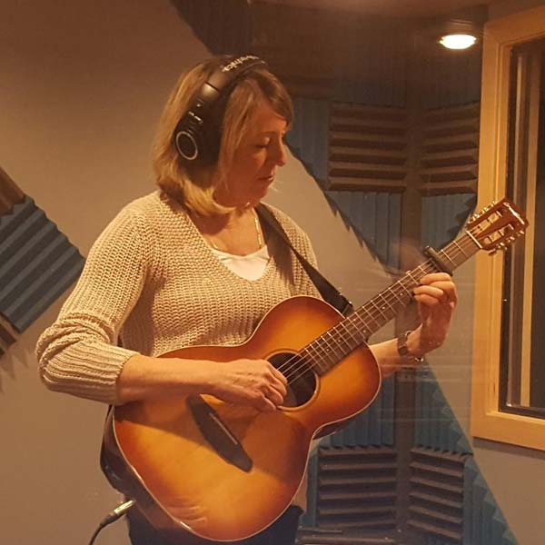 Lynn+Ridge+Inverness+Guitar+Lessons-600x600.jpg