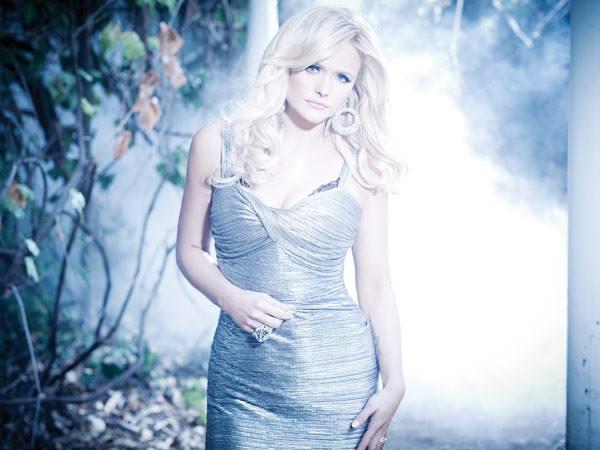 Miranda-Lambert-CountryMusicRocks.jpg