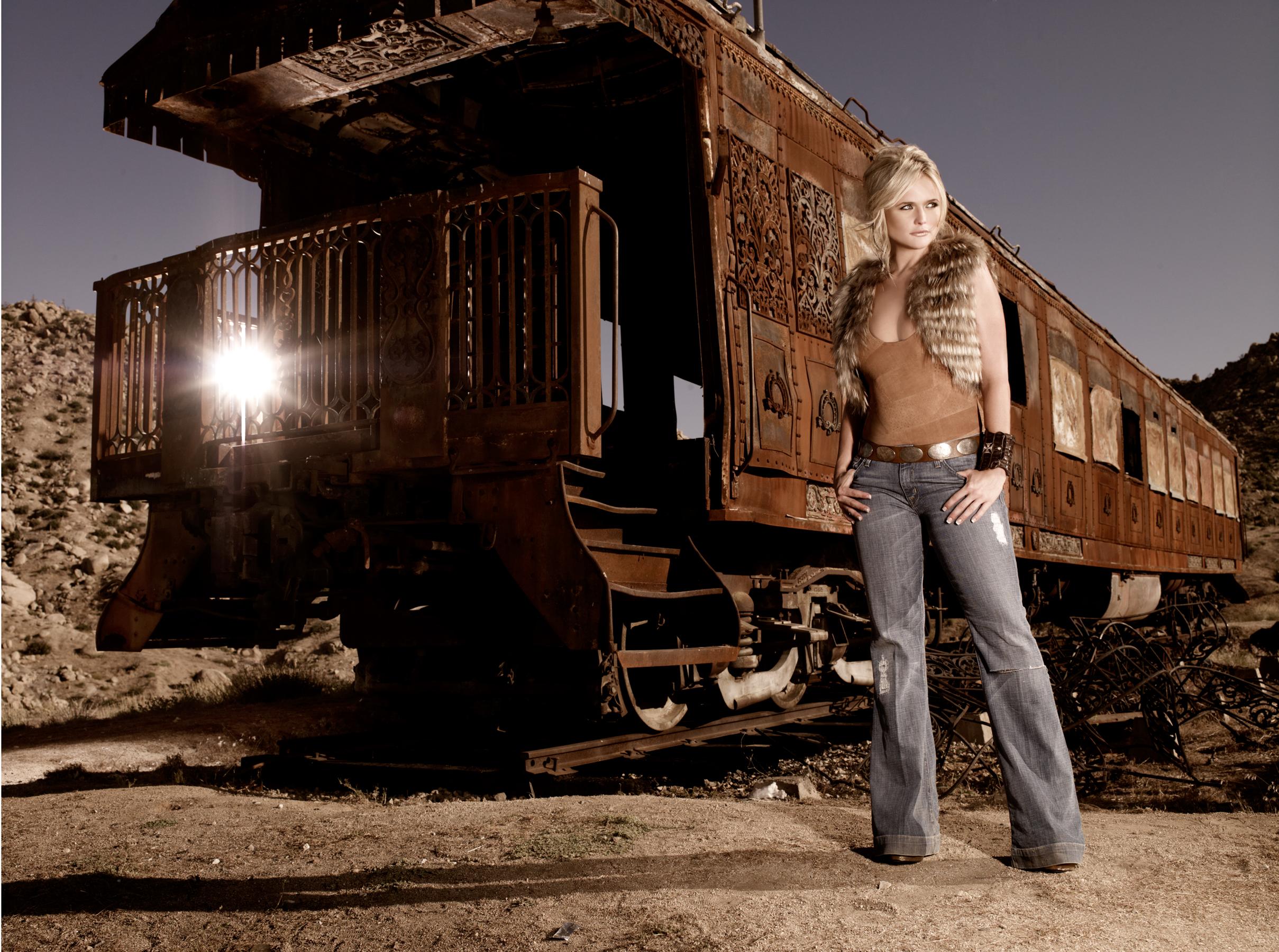 miranda-lambert_06-train2_0733.r.jpg