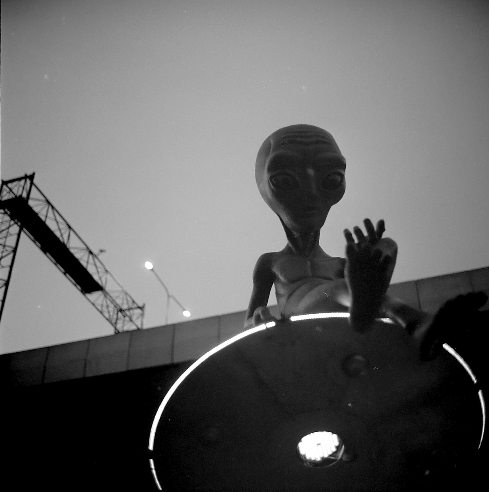 Chromacomaphoto Bangkok Street Photography Delta 400 Rolleiflex Thailand  planar xenotar 2 8 e 3 5 f  (2).JPG