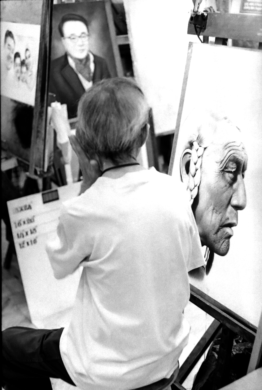 chromacomaphoto street photography bangkok thailand film tri x summicron rigid 50 leica m4 black and white (2).JPG