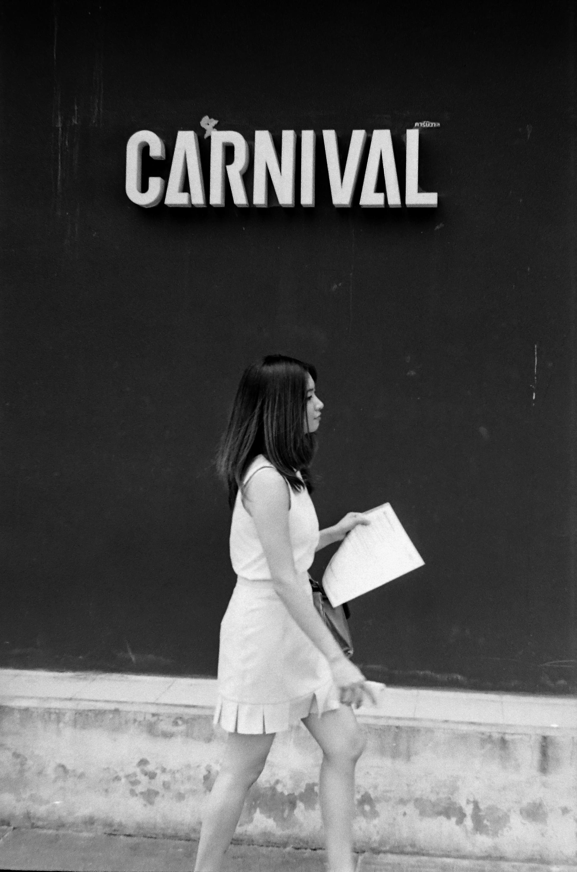 chromacomaphoto street photography bangkok thailand film tri x summicron rigid 50 leica m4 black and white (15).JPG