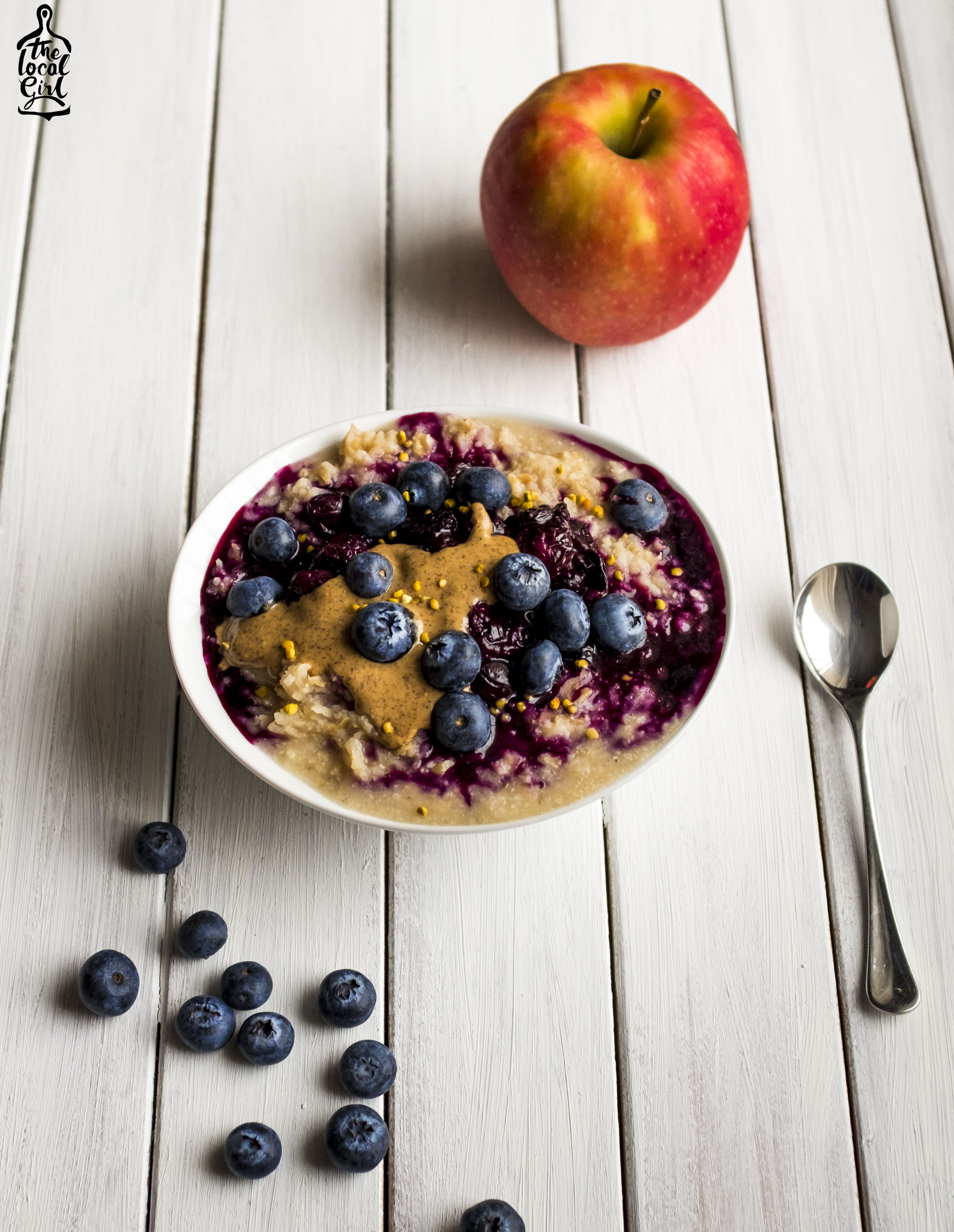 Apple and Blueberry Porridge -1.JPG