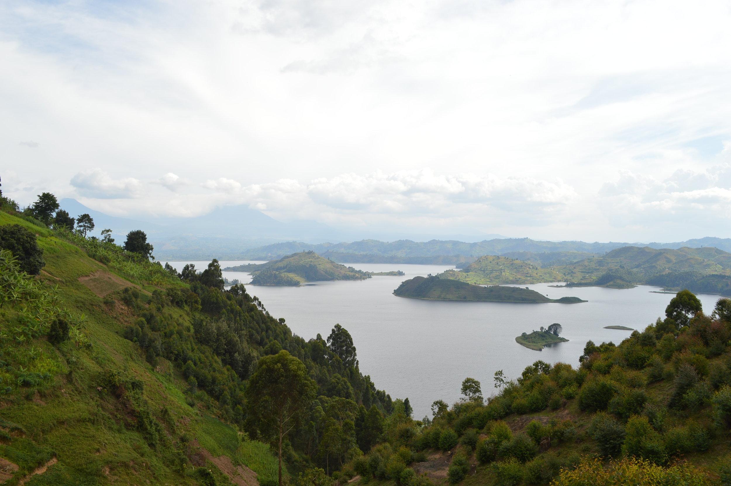 Lake Mutanda.jpg