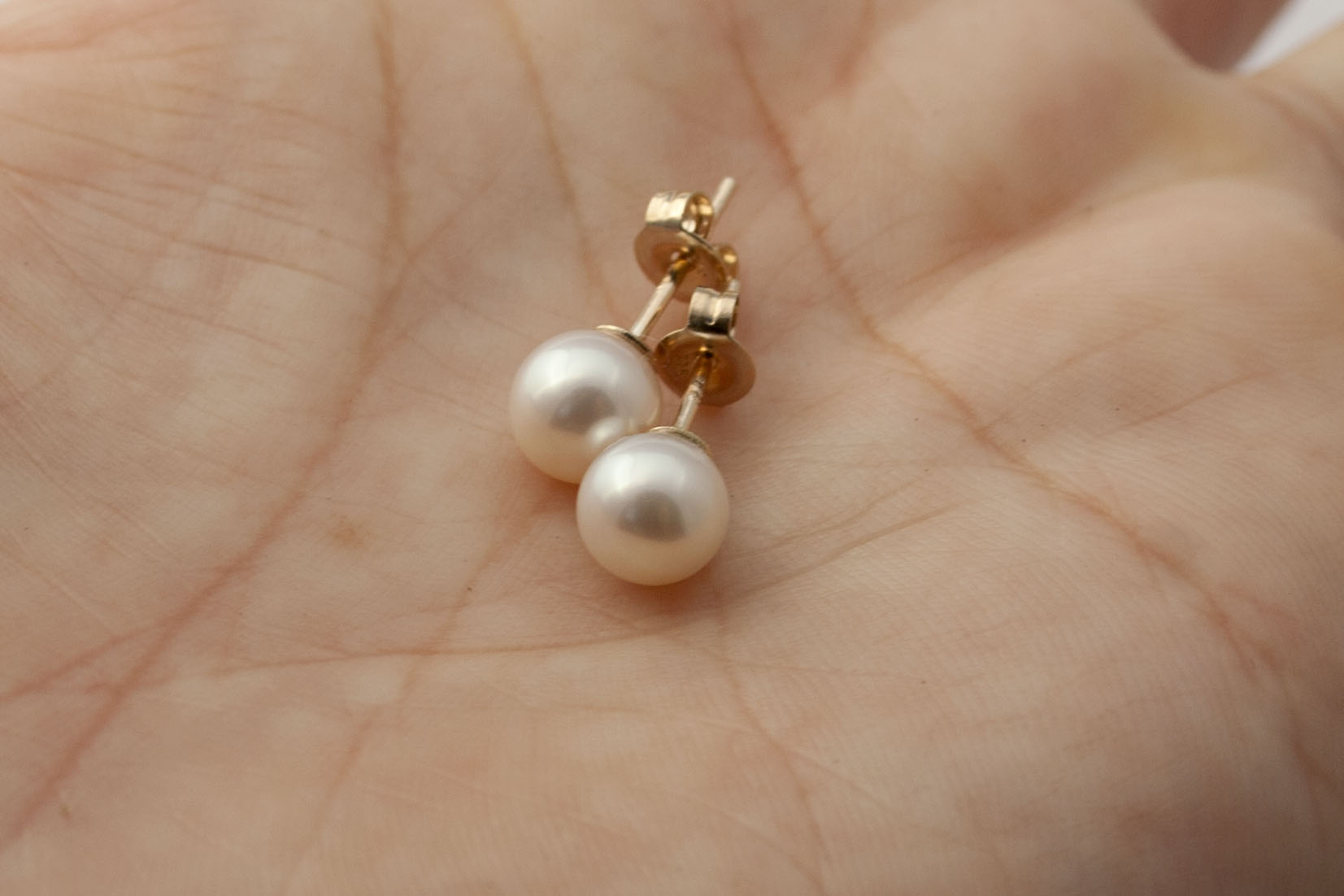 Yellow Gold Pearl Earrings 10mm Freshwater Pearls Stud Studs 9 Carat