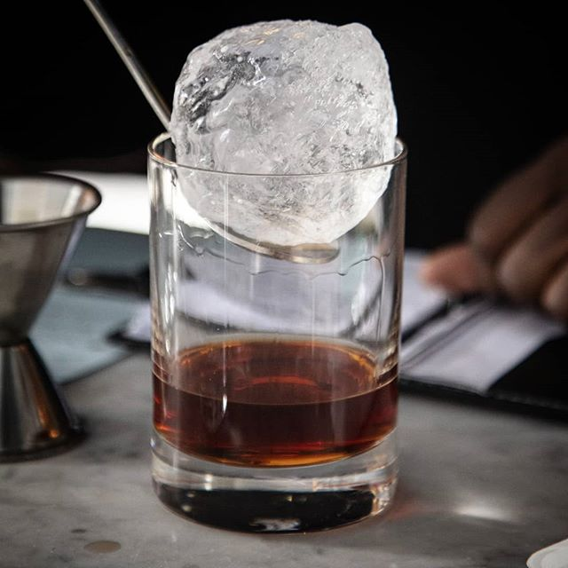 Ice meets whiskey... We still have spots left in our special edition whiskey class this upcoming Monday, 5.20.19, featuring some pretty special whiskies!  We've also just posted a Father's Day edition of our whiskey class for anyone looking for a unique gift for Dad, and a whole new batch of Cocktails 101 dates are also now available! Link in bio for more, Get Tickets button to link directly to this Monday's class! . . . 📸@marzenaabrahamik  #cocktailclasses #whiskey