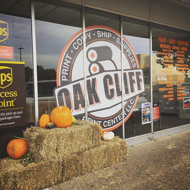 #oakcliff #bishoparts #oakcliffgo #oakcliffbarber #jefferson #dallas #dallascowboys #print #design #fall #pumpkinpatch #pumkinspice #organic #dallasmarket #sunday