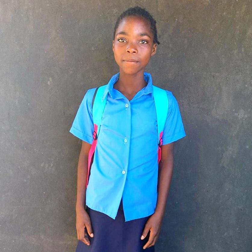 Noémia, Age 9