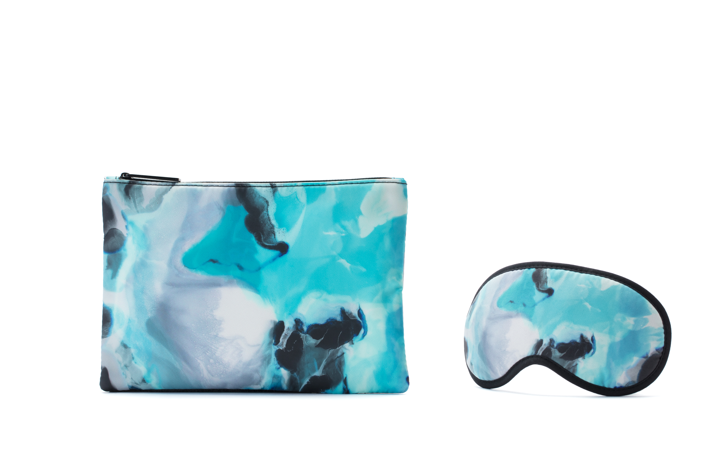 "MEGAN WESTON FOR QANTAS ""ICELAND' AMENITY KIT  COMING SOON TO ALL INTERNATIONAL BUSINESS CLASS FLIGHTS"