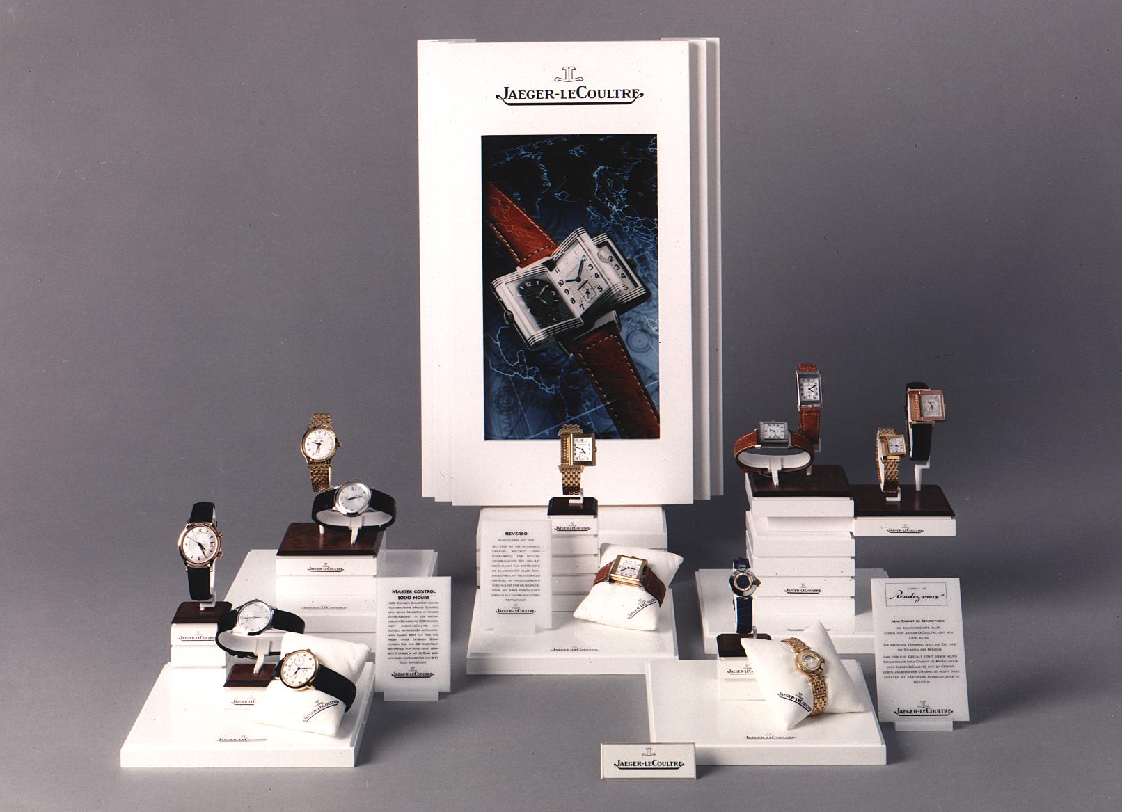 Jaeger-LeCoultre, 1er job après l'école de design. Notre première création horlogère fut ce présentoir modulable.