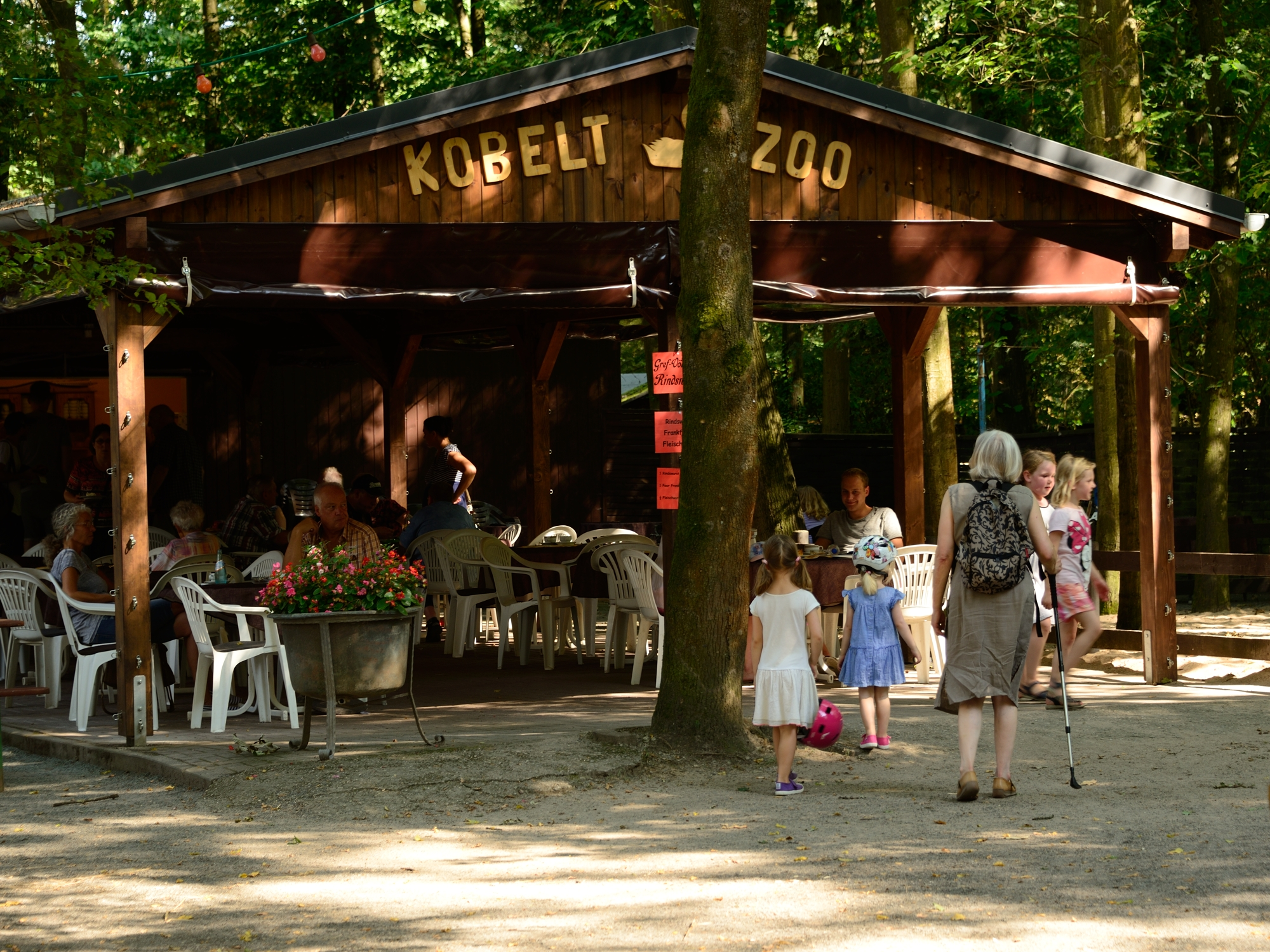 REfreshments at the Kobelt Zoo. (Photo copyright © 2016 by Anne Noble)