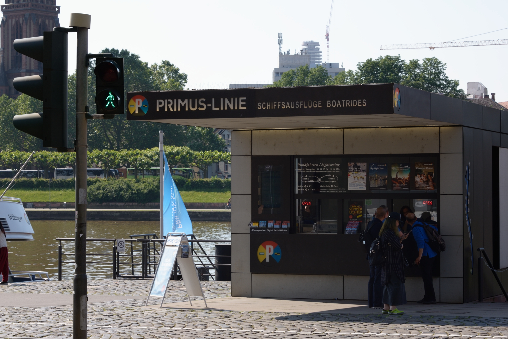 Primus Line kiosk, by the Eiserner Steg