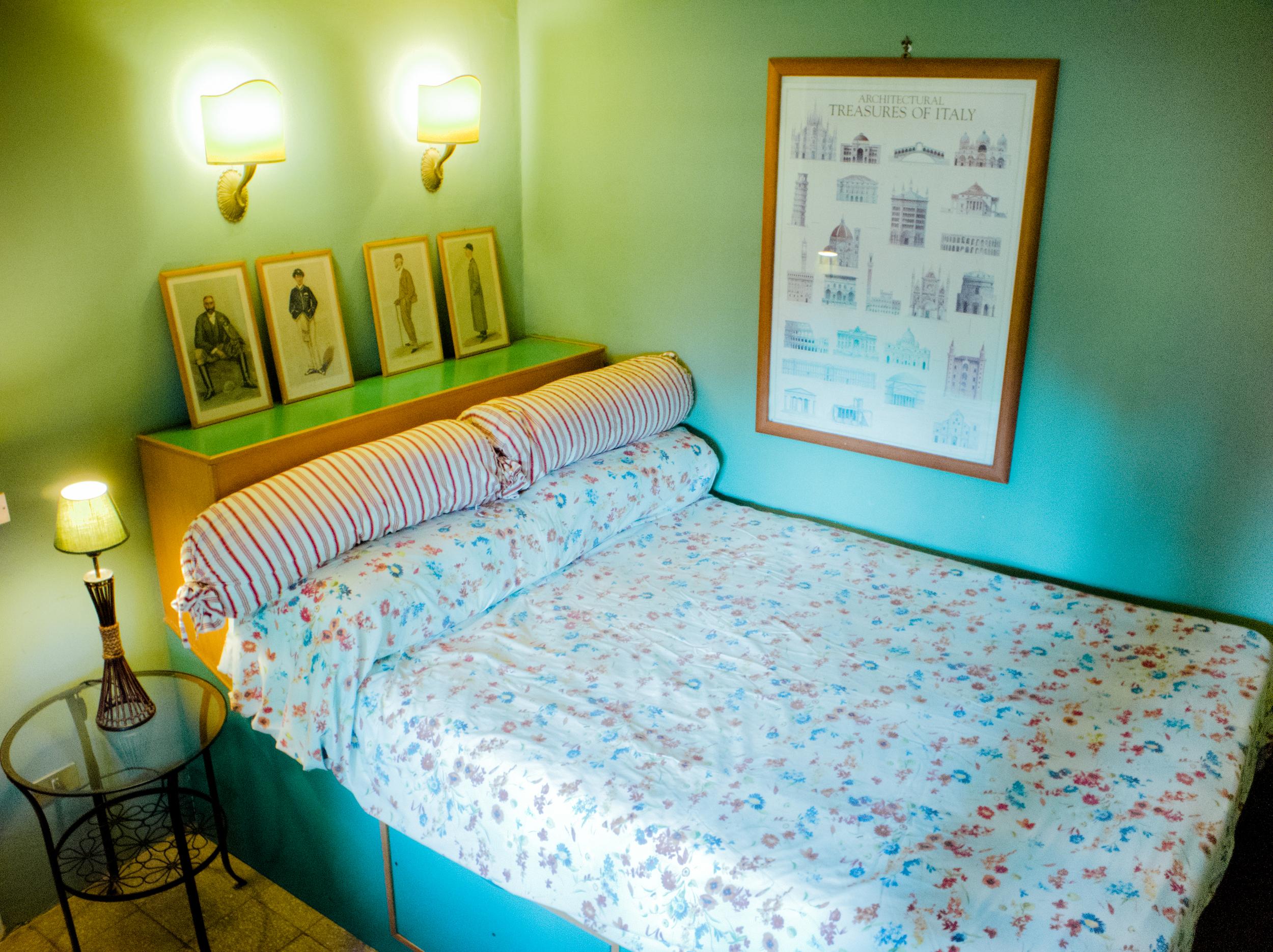 """""""The Traveler"""" double bedroom"""