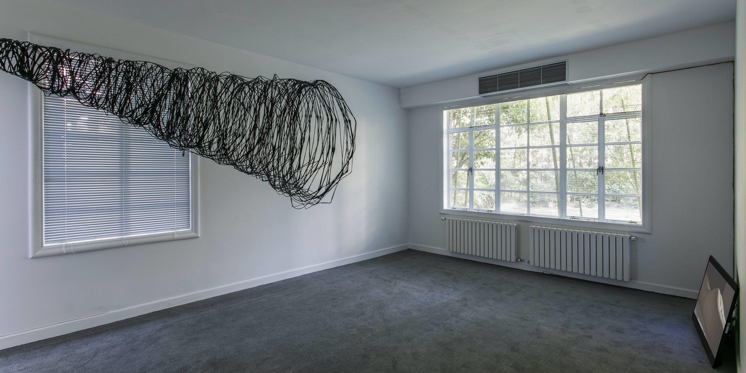 冯晨,《7本真实存在的魔法书-第二次催眠》,2017,碳纤维,100×90×200cm.