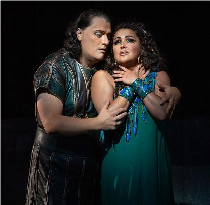 7- Aida et Radamès - Aida (Verdi)Sous les pyramides les cœurs des amoureux battent très forts. On a vite fait de ranger le chef-d'oeuvre de Verdi sous la catégorie des péplums. Aida est avant tout une histoire d'amour absolu entre un guerrier victorieux et une esclave, fille d'un roi vaincu. Condamnés à mort, les héros sont emmurés vivants et chantent leur passion dans un ultime adieu déchirant.© Marty Sohl / Metropolitan Opera