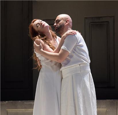 10- Ulysse et Pénélope - Il Ritorno d'Ulisse in Patria (Monteverdi)Monteverdi est allé puiser dans la mythologie pour immortaliser en musique l'histoire bien connue de Pénélope et d'Ulysse. Après un long voyage, le héros de la guerre de Troie rentre à la maison et retrouve une épouse restée fidèle malgré les sollicitations. En tissant sa toile et défaisant la nuit ce qu'elle avait fait le jour, Pénélope a eut du courage et Ulysse, bien de la chance !© V. Pontet / Théâtre des Champs-Élysées
