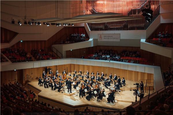 Dresdner Festspielorchester, Ivor Bolton © Oliver Killig