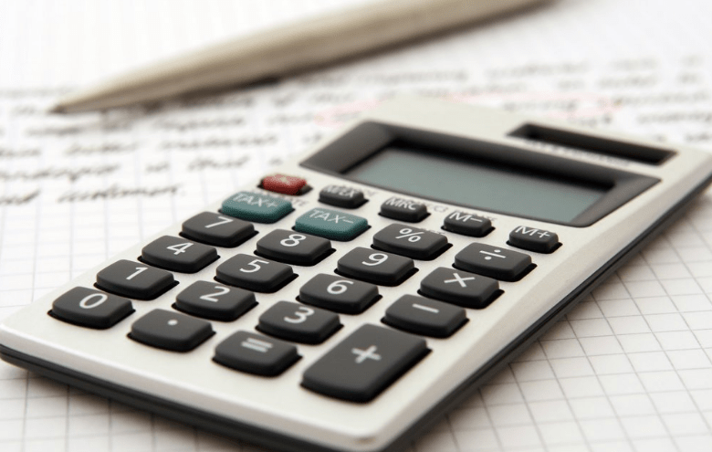 Using assumptions tables in financial models