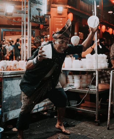 Selling to customers in a market