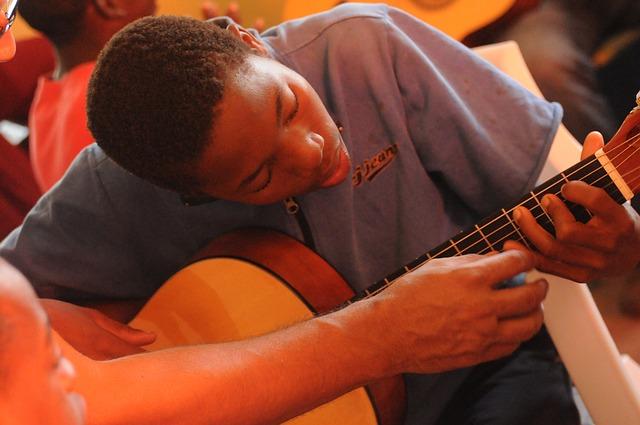 guitar-lessons-435107_640.jpg