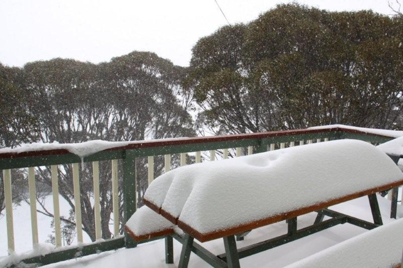 southern alps lodge2_winter balcony.jpg