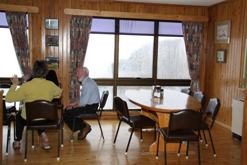 southern alps lodge6_dining room.jpg