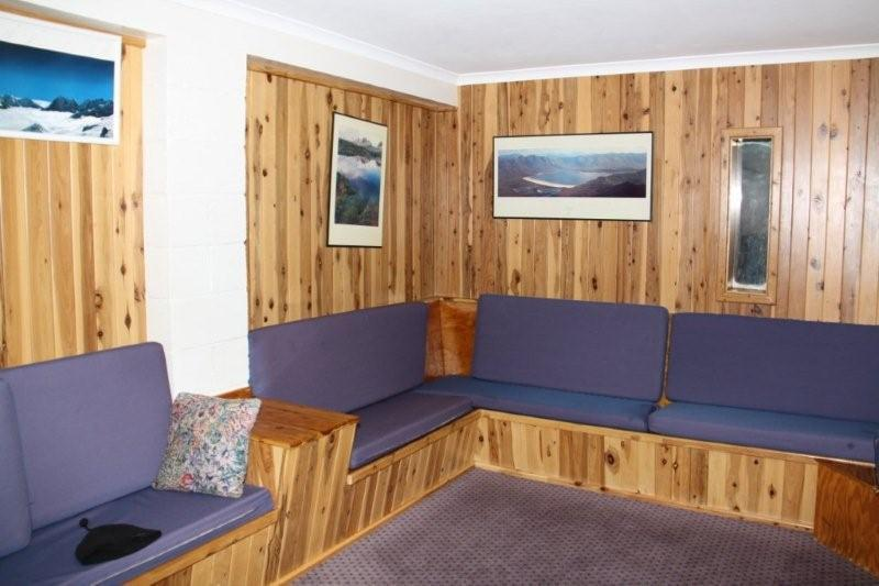 southern alps lodge8_tv room.jpg