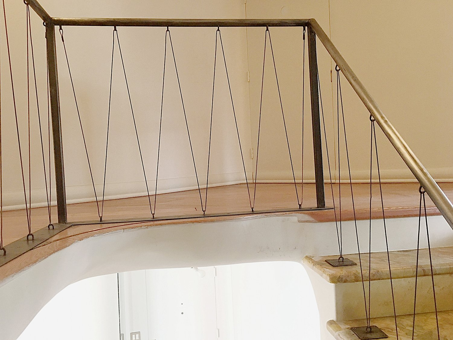 Contemporary Vertical Steel Cable Railings