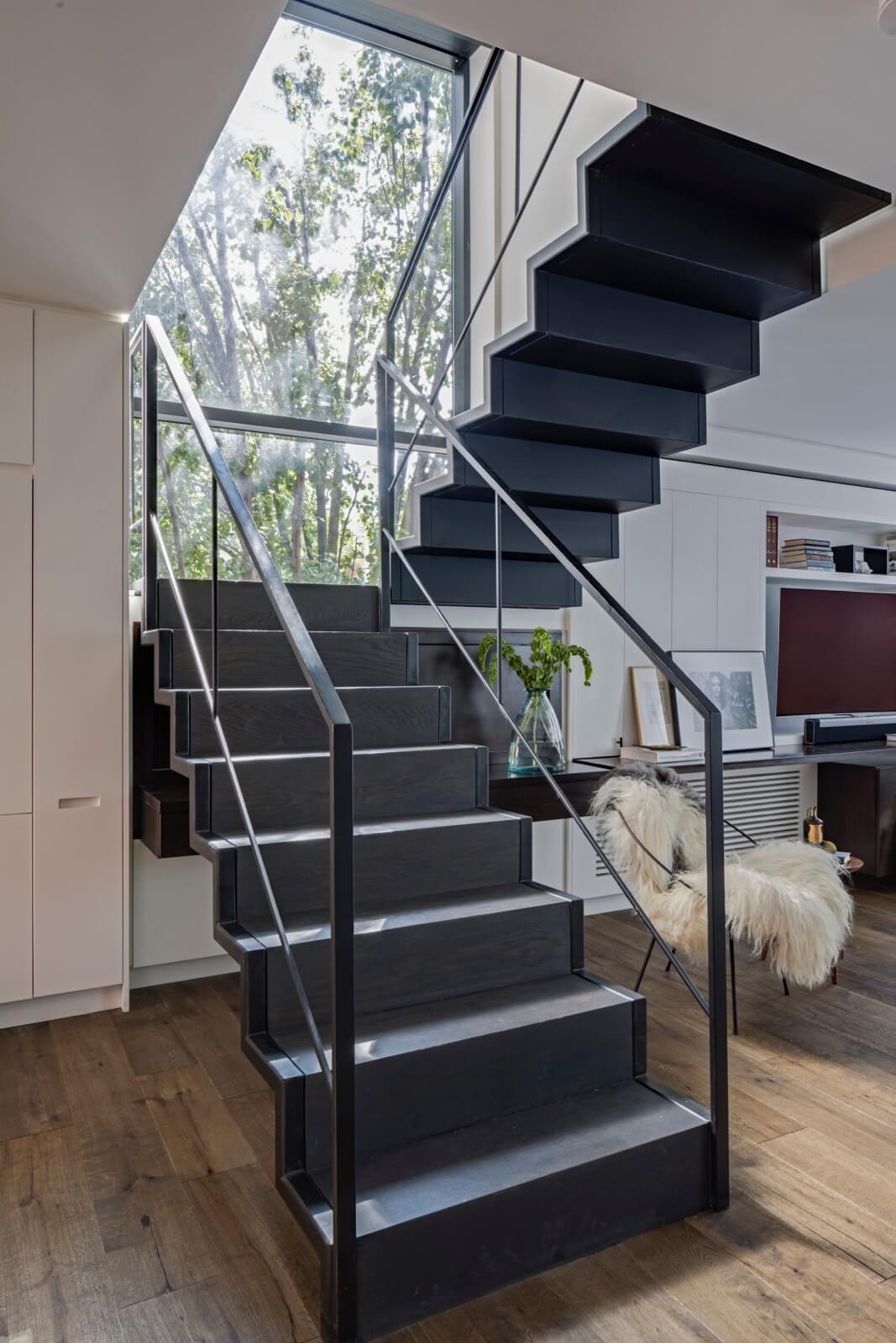 Zig Zag Folding Steel Minimalist Staircase