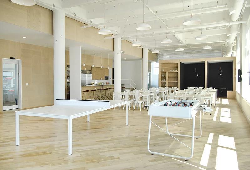 Minimalist Steel @ Glass Office Tables