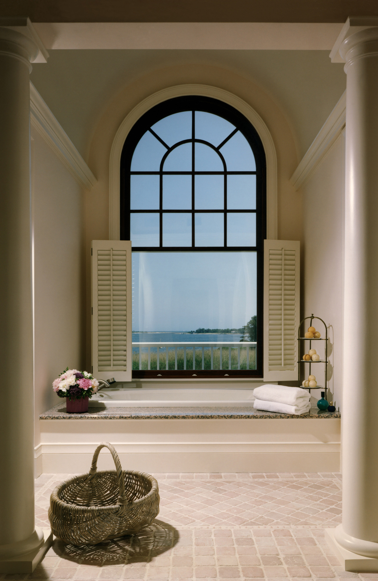 Smith_Cape_Bathtub.jpg