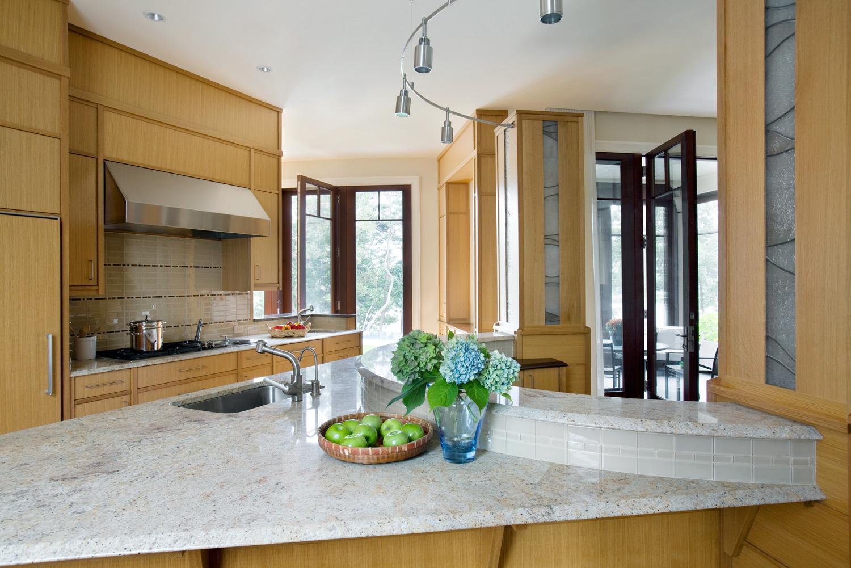 Cape_Cod_Doreve_kitchen_2.jpg