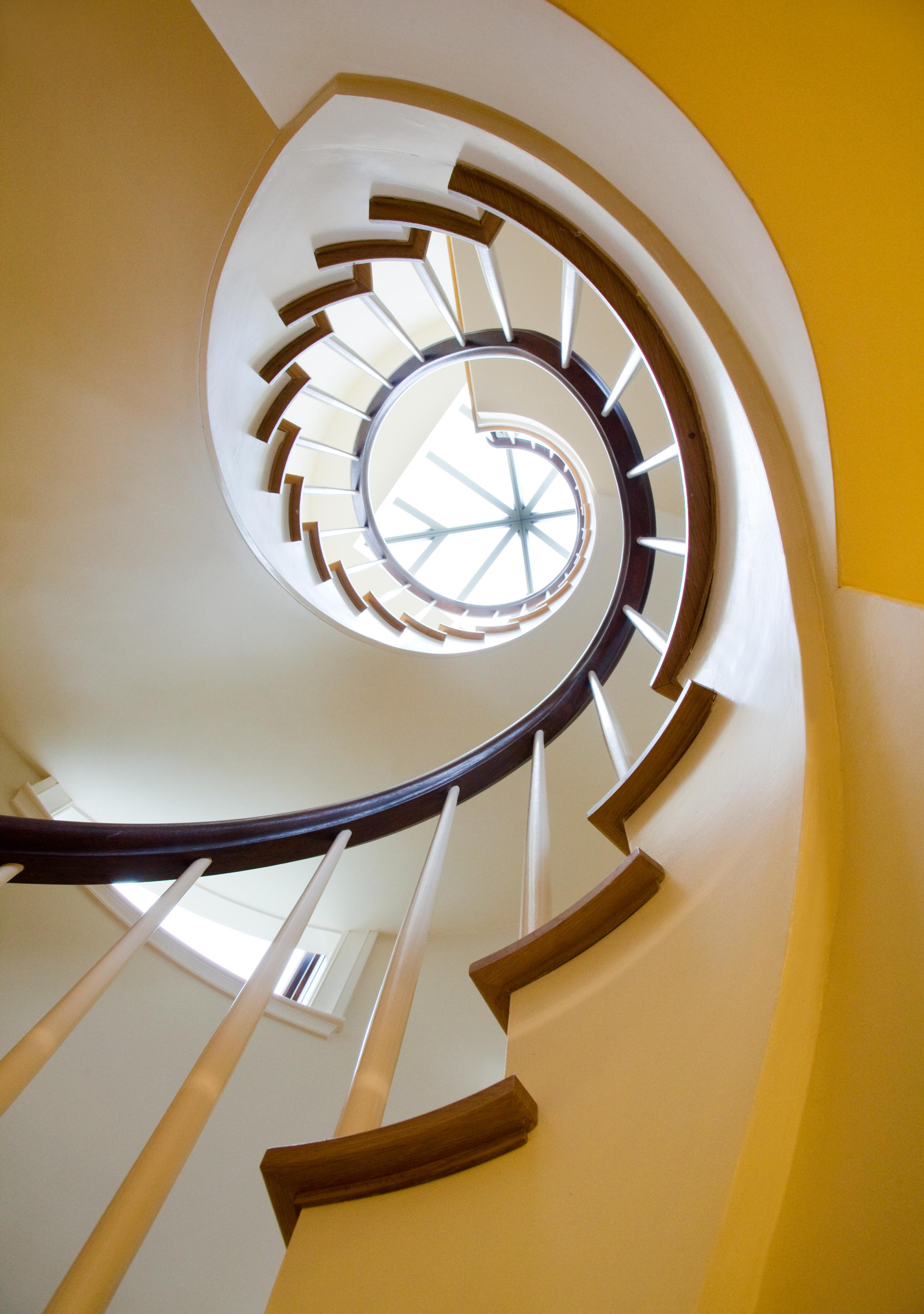 Cape_Cod_Doreve_stairs_4.jpg