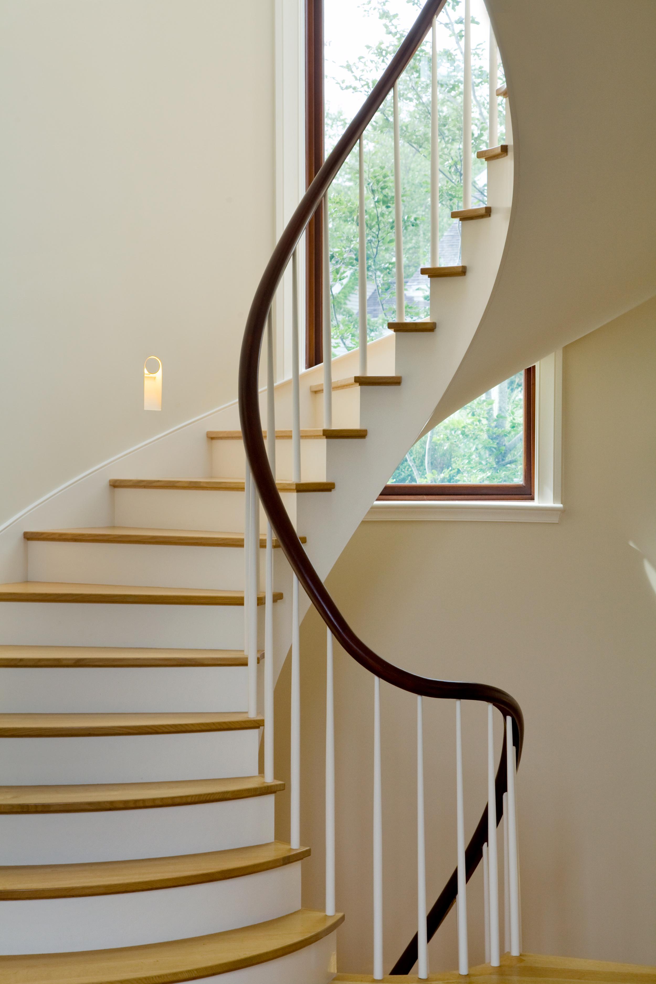 Cape_Cod_Doreve_stairs_2.jpg
