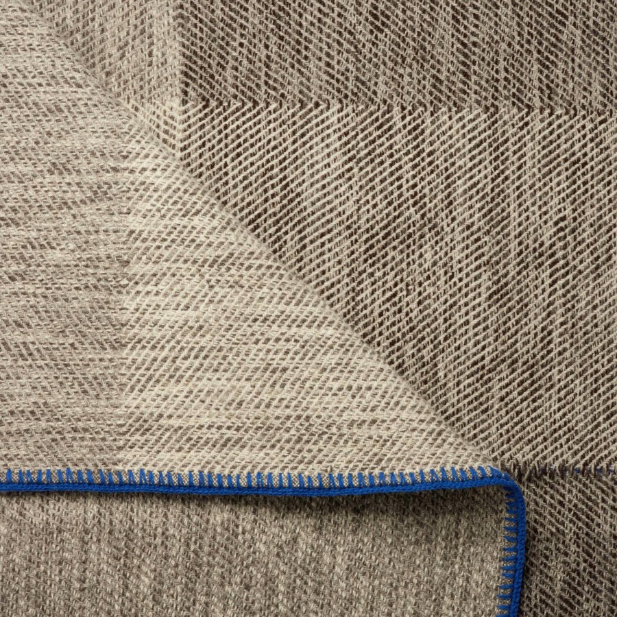 phaedra-V2-throw-maria-sigma-textiles-the-garnered.6.jpg