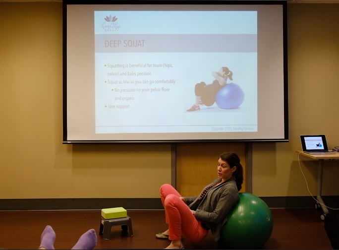 Shauna Ironside, ottawa osteopath, during her spring 2019 prenatal workshop at the ottawa birth and wellness centre.