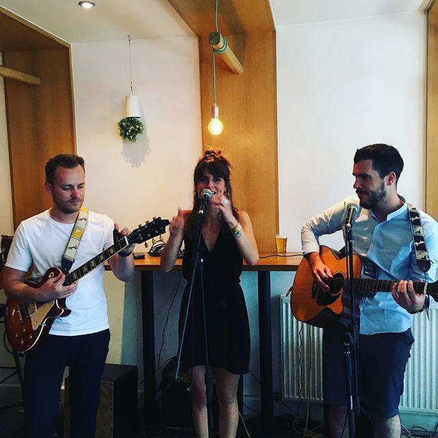 Soirée musique @patucorestaurant venez écouter nos amis @koos_musique ce soir!🎵🍸🕺🏻 #patucorestaurant #bar #paris11 #musique #cocktails