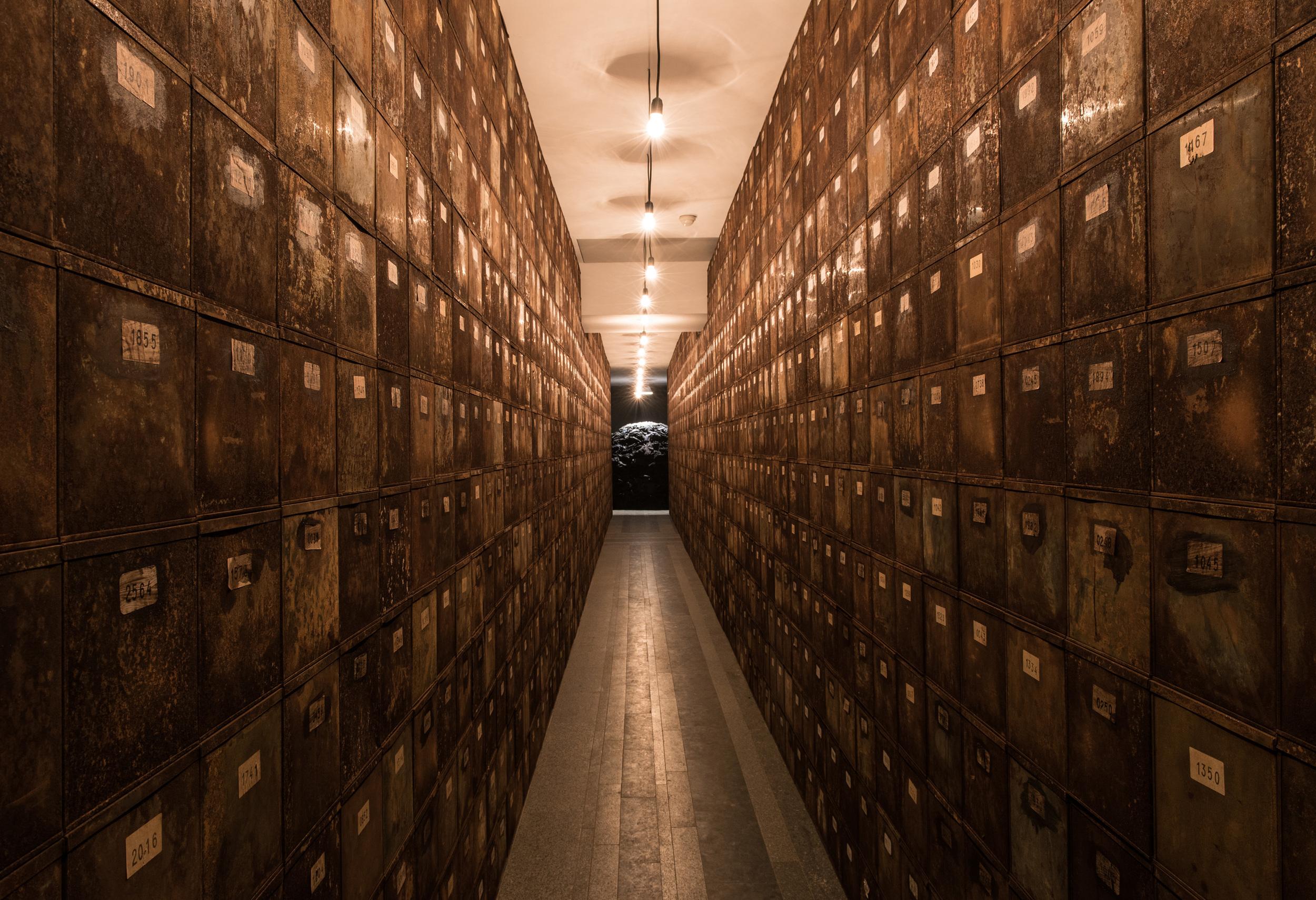 Christian Boltanski. Le Chemin de Babi Yar / The Path of Babi Yar, 2016 Courtesy of the artist