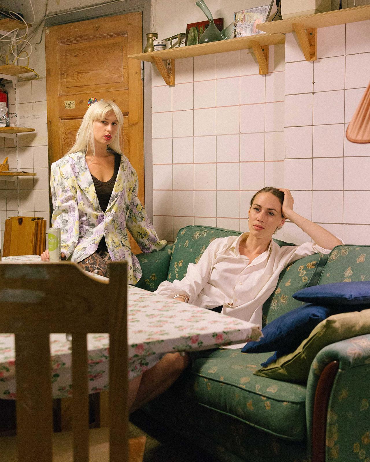 Rave Review, Josephine Bergqvist & Livia Schuck.JPG