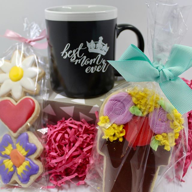 """So excited to see y'all tomorrow at the Pop Up! Any purchase of $30 or more receives a free """"Best Mom Ever"""" mug (while supplies last)! #sweetinkdesign #sweetinktreats #popupshop #smyrnageorgia #mothersday"""